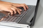 Паралелки с по-малко ученици по-често ще преминават към учебен процес онлайн