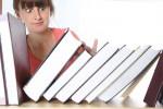 Кой трябва да пише учебниците?
