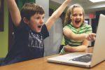 Георги Апостолов: Трябва да се търси баланс в онлайн и офлайн дейностите на детето